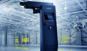 Bezkontaktní laserová stanice Lastic opracovává plastové výlisky