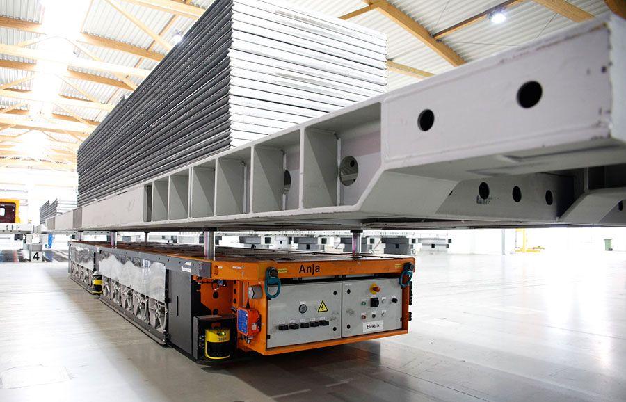 Autonomní transportní plošiny KUKA mají nosnost až 68 tun