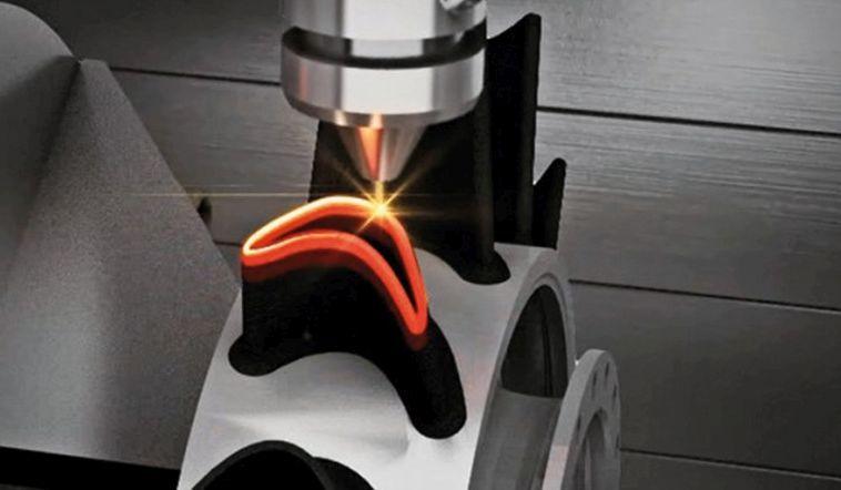 Hybridní výroba spojuje 3D tisk s přesným obráběním